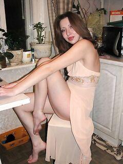 Замужние дамы показывают  попки - секс порно фото