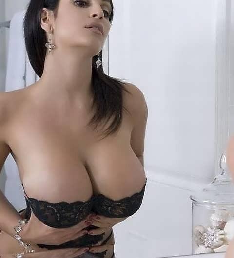 Подборка девушек с большой грудью - секс порно фото