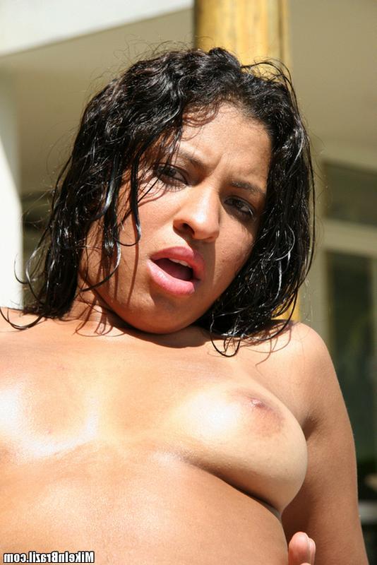 Пикапер снял на пляже латинку и трахнул в презервативе - секс порно фото