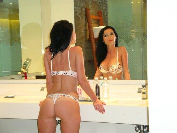 Мужья фотографируют и трахают дома своих голых жён - секс порно фото