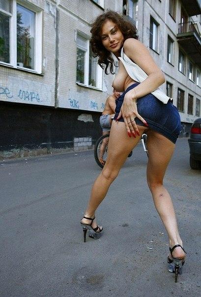 Подборка интимных снимков голых жён на кровати - секс порно фото