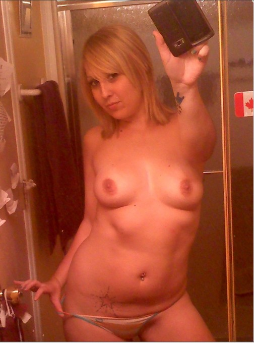 Откровенные селфи пышногрудых девиц - секс порно фото