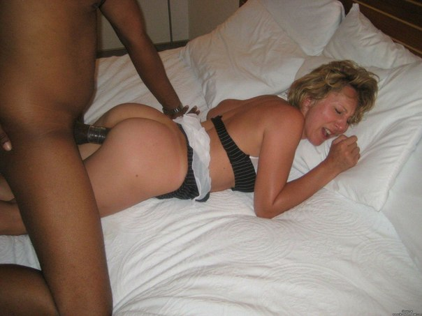 Негры с большим членами жарят белокожих девок - секс порно фото
